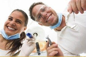 стоматолог и медсестра