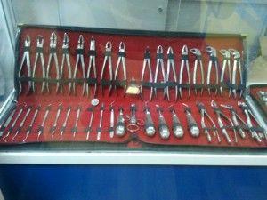 набор инструментов для хирургии в стоматологии