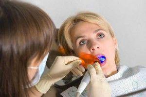 женщина у стоматолога