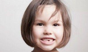 девочка без зубов