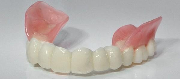 качественный зубной протез