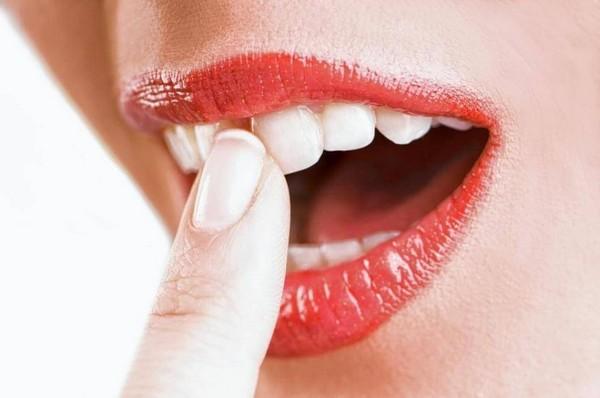 зубы шатаются